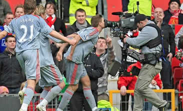 (Video) Remembering when Liverpool thrashed Man Utd at Old Trafford