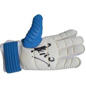 Pepe Reina signed glove