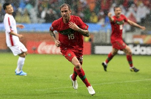 Raul Meireles Heads To Liverpool