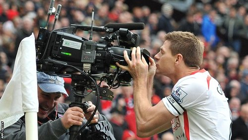 Stevie G. kisses the camera