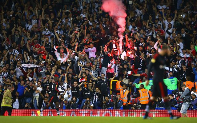 (Video) Besiktas player sparks Turkish fan chants on Liverpool streets
