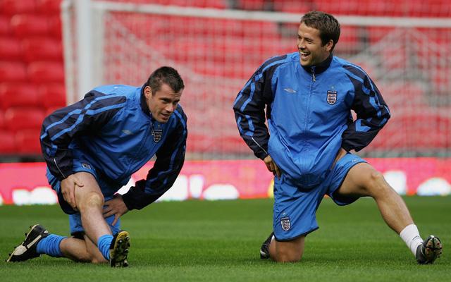 Jamie Carragher mocks former teammate Michael Owen for being pro-Man United!