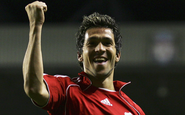 (Image) Proof that Luis Garcia drinks sangria!