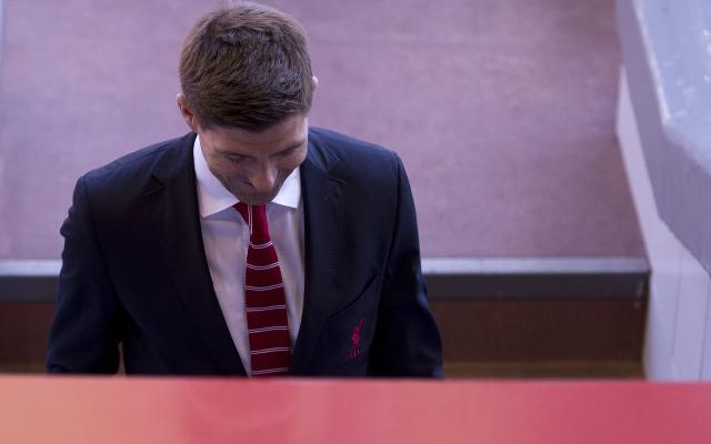 (Video) Watch Steven Gerrard refusing to sign LA Galaxy shirt