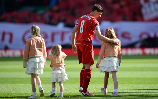 (Video) The moment that Steven Gerrard left the Anfield pitch for the final time