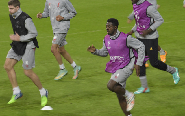 (Image) Kolo Toure hilariously photobombs teammate's tribute to Steven Gerrard