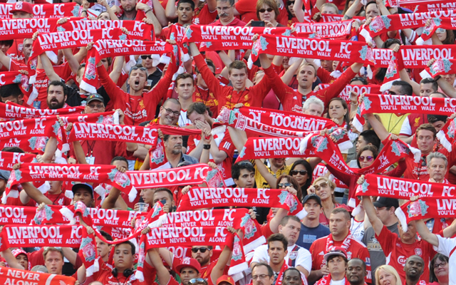 (Video) Liverpool greeted by incredible rendition of 'You'll Never Walk Alone' in Brisbane