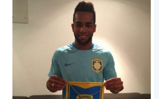 Alex Teixeira tells friends he still wants to sign for Liverpool & only went to China for money