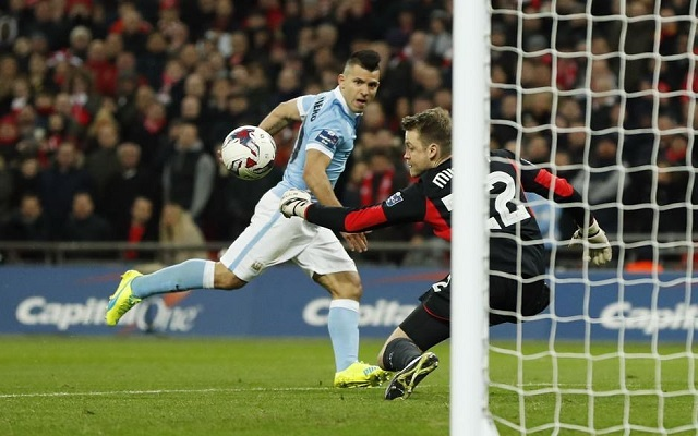 Twitter: Fans praise Mignolet and Lucas as Liverpool lose to City on penalties