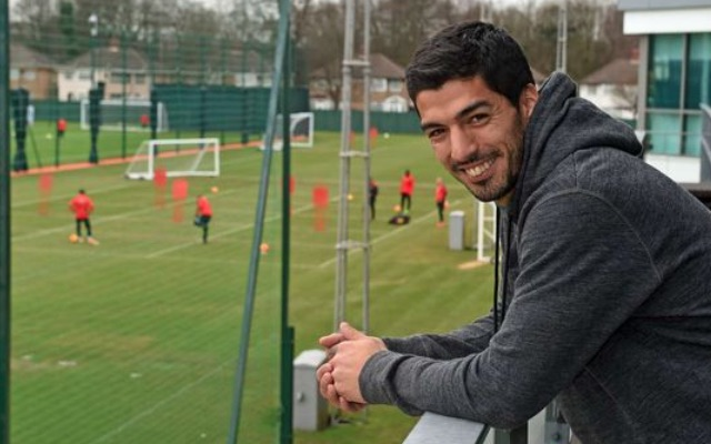 (Video) Luis Suarez joins F2Freestylers for striker tutorial