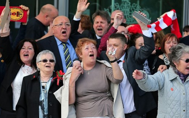 (Video) Campaigners for justice break into YNWA outside court as JFT96 finally delivered