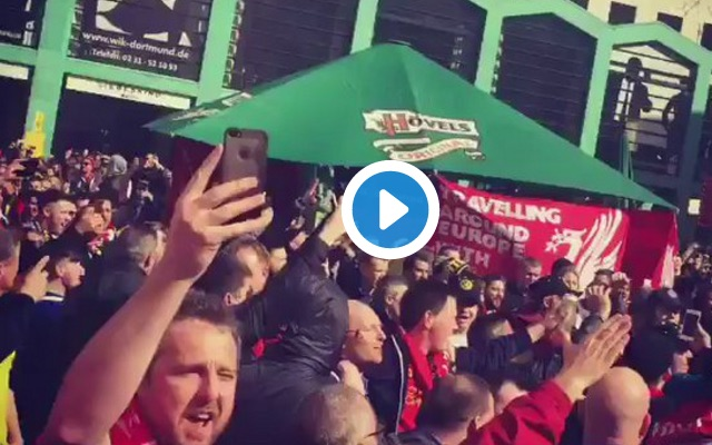 (Video) Thousands of Liverpool fans sing in the streets of Dortmund