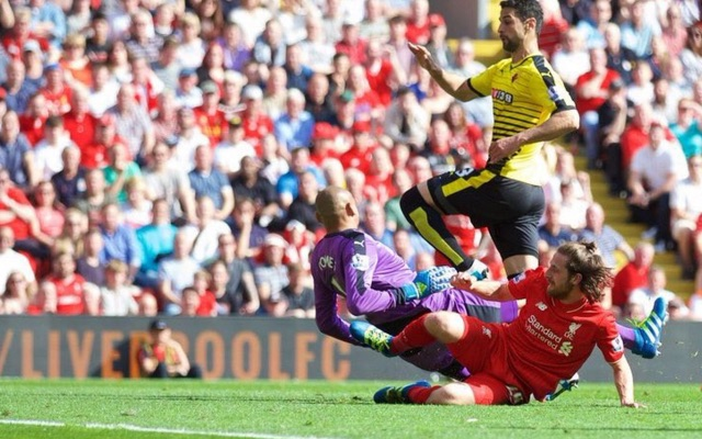 (Video) Joe Allen caps new hair-style & epic 1st-half performance with goal v Watford