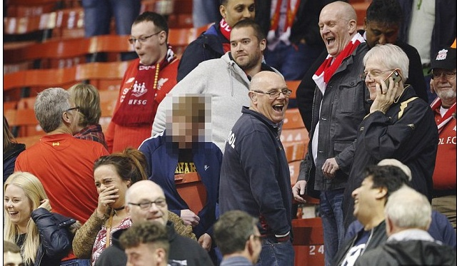 Daily Mail show pathetic bias against Liverpool: brandishes fans thieves, but salutes West Ham supporters doing exact same thing