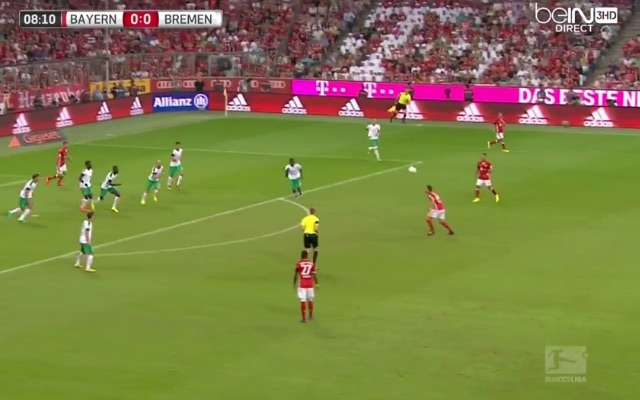 (Video) Xabi Alonso scores one of the best goals of his career; outrageous straight-leg volley
