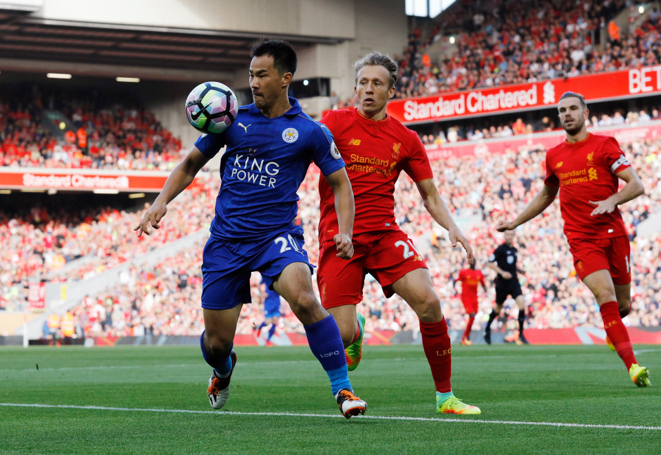 Jamie Vardy's goal against Liverpool should not have been allowed according to FIFA laws