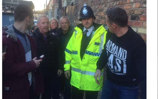 (Video) Liverpool legend sells t-shirts outside Anfield before Man United clash