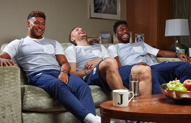 Liverpool striker to appear in hilarious Celebrity Gogglebox episode as part of Stand Up To Cancer night