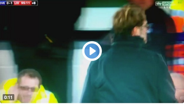 (Video) Klopp looks like he almost had a panic attack after Mane's goal