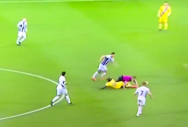 (Video) Sakho's incredibly awkward but somehow excellent defending for Palace goes viral…