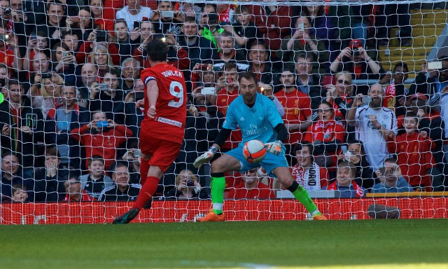 (Video) Fowler achieves the near impossible; beats Dudek from the penalty spot