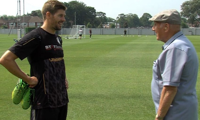 (Video) Steven Gerrard pays heartfelt tribute to Anfield legend Ronnie Moran
