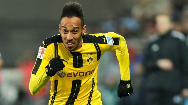 Aubameyang about to quit elite football with ridiculous £26m/year transfer