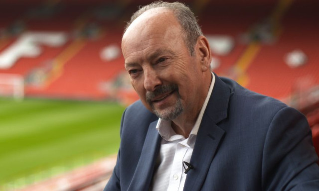 Liverpool CEO Peter Moore has some fun with Aubameyang rumours as he interacts with Reds on Twitter