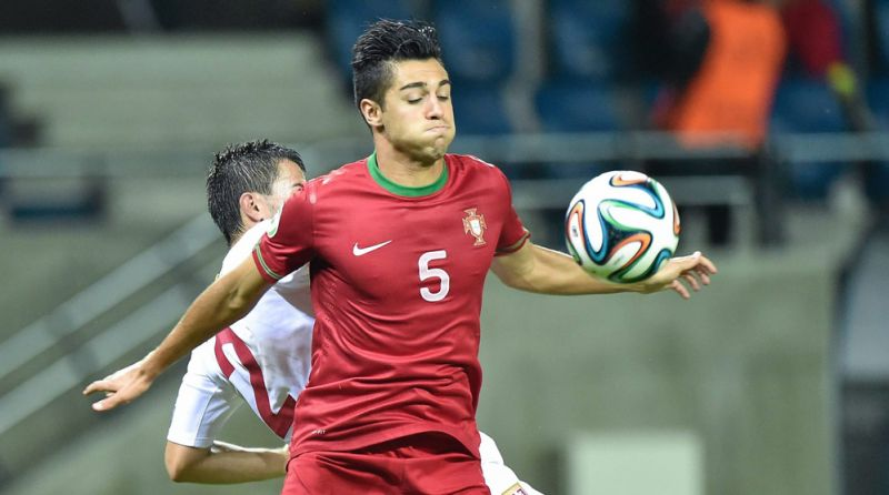 Portugal LB (22) eyes Liverpool switch: 'I shiver at YNWA'