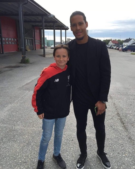 Van Dijk and fan