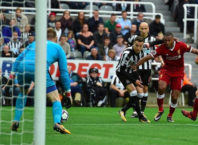 'I miss the old Sturridge' – LFC fans tear into striker's abject performance