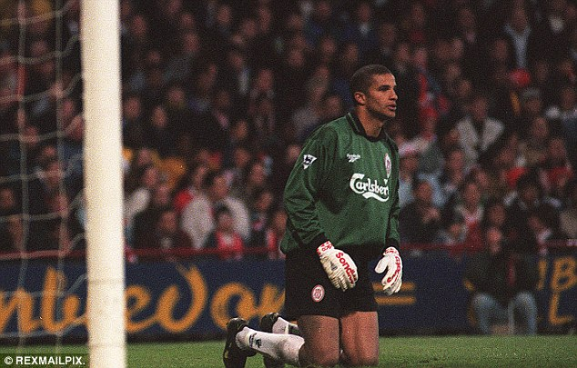 'I was drunk' – Ex-LFC GK tells ridiculous story of how he left Anfield…