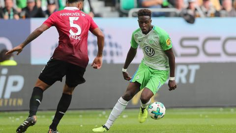 Bundesliga striker says he'll be at Liverpool in 2018; criticism unfair