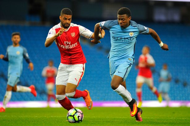 Liverpool battling to sign Manchester City winger
