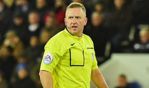 Keith Hackett slams Moss and linesman as 'below Premier League standard'