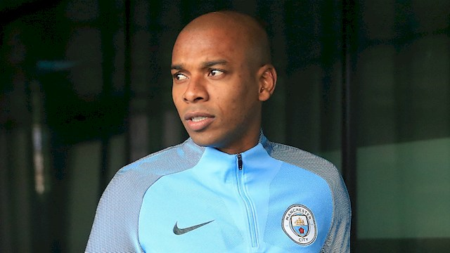 Ex-Ref makes claim about Fernandinho v Liverpool