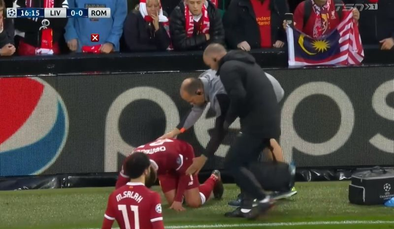 Liverpool star goes off with worrying-looking injury against Roma