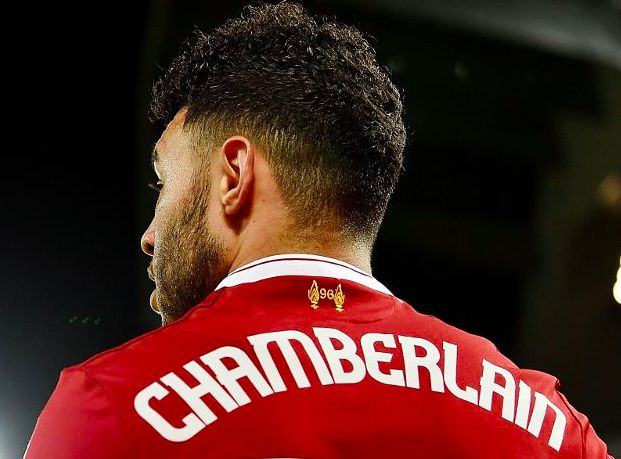 Alex Oxlade-Chamberlain takes huge stride in recovery from injury