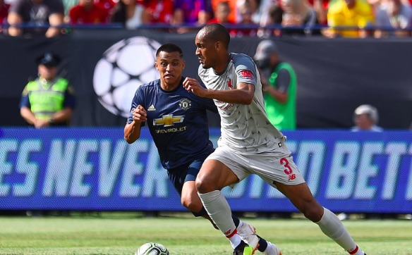 Liverpool fan ends United supporter on Twitter for Fabinho criticism
