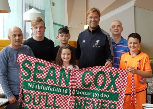 LFC pay classy tribute to Sean Cox following Napoli win ❤️