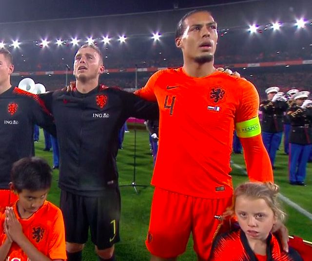 Van Dijk goes viral with heartfelt gesture to Dutch mascot