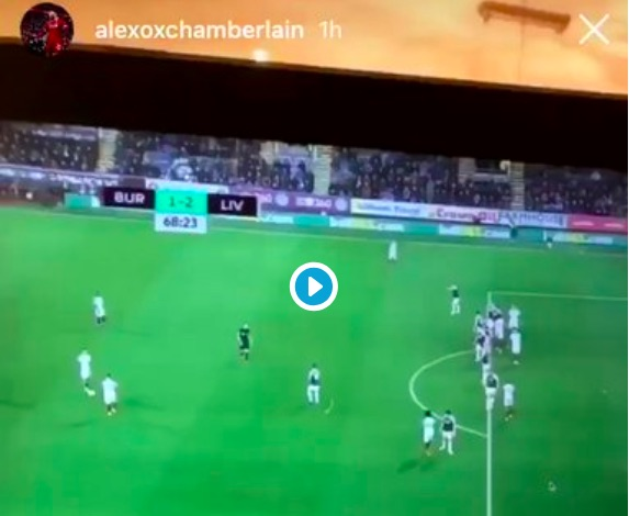 (Video) Oxlade-Chamberlain's epic reaction to Firmino goal while watching game on laptop