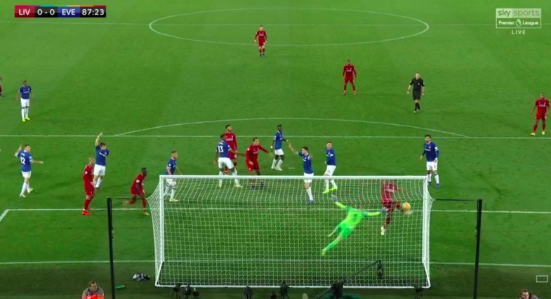 (Video) Origi somehow hits bar from 3-yards out & Reds couldn't believe it