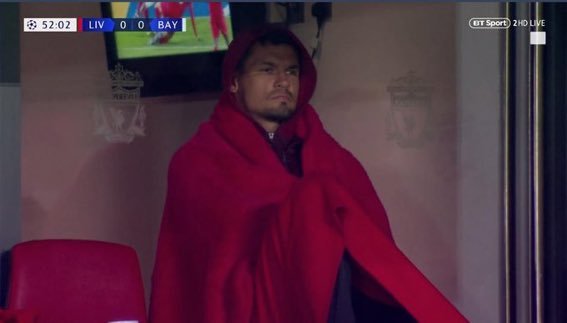 Twitter reacts to hilarious Dejan Lovren photo during Liverpool's clash with Bayern
