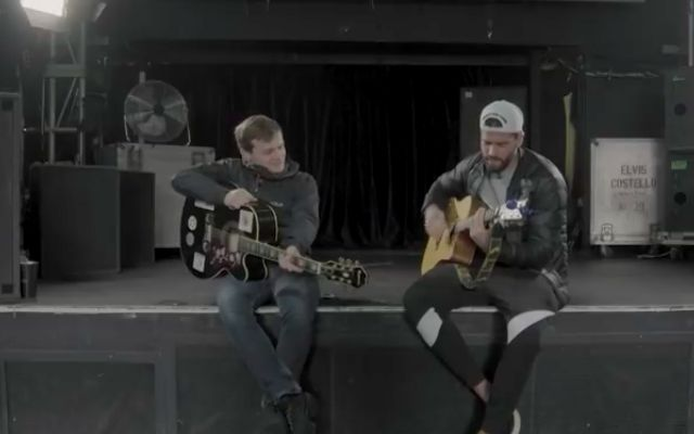 (Video) Alisson joins musician Jamie Webster for superb guitar session