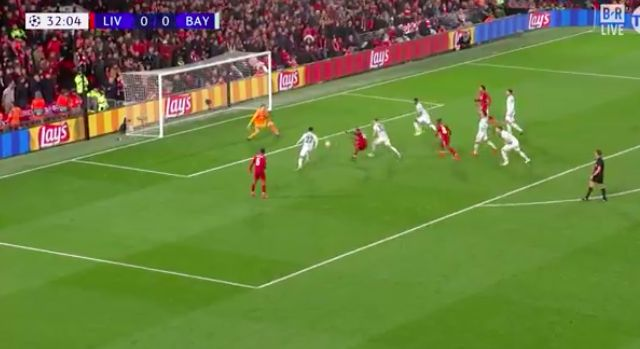 (Video) Sadio Mane misses simple chance v Bayern & fans can't believe it