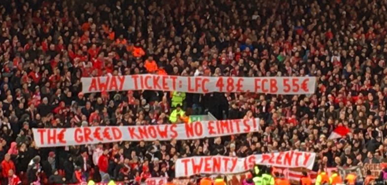 (Video) LFC fans applaud Bayern for excellent gesture