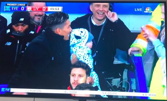 (Image) Look at Sturridge's face as Firmino poses with baby on LFC bench