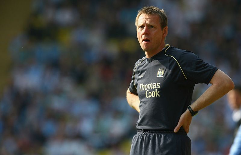 "Former Man City man Stuart Pearce thinks LFC will win PL title ""comfortably"""