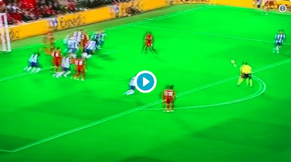 (Video) Anfield loves Mo Salah's superb left-back play, as Egyptian sprints field to win ball back